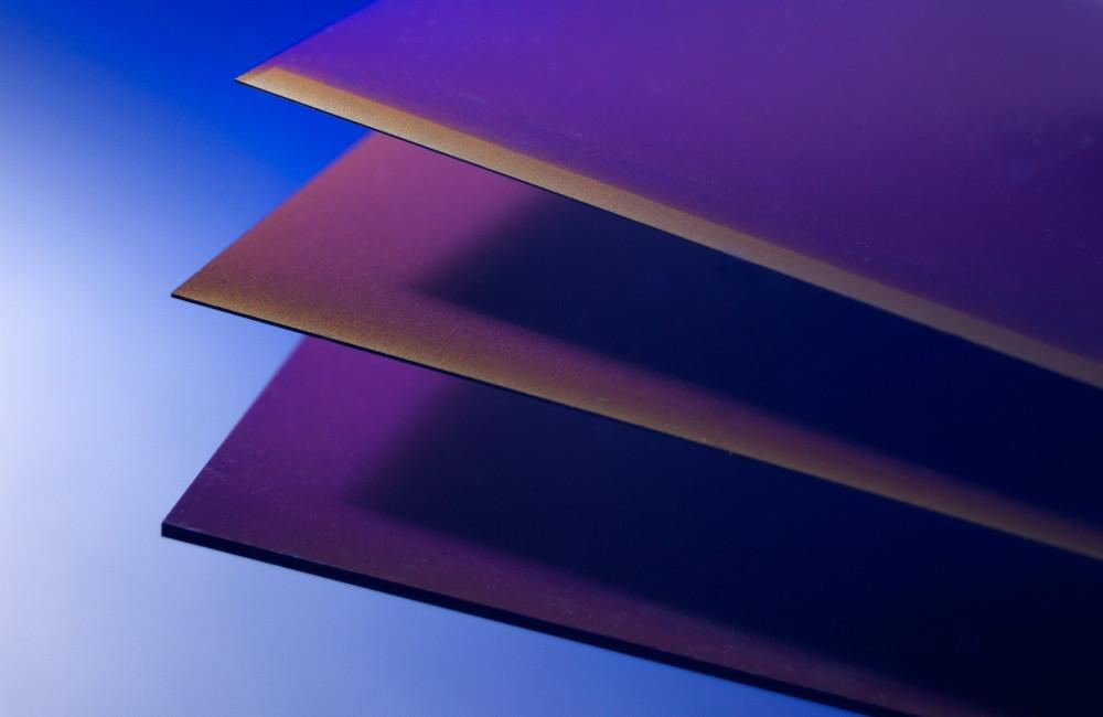 Rückkontakt-Solarzellen aus 290 µm, 90 µm und 45 µm (Epitaxie-Schicht aus PSI Prozess) dünnem Silizium.